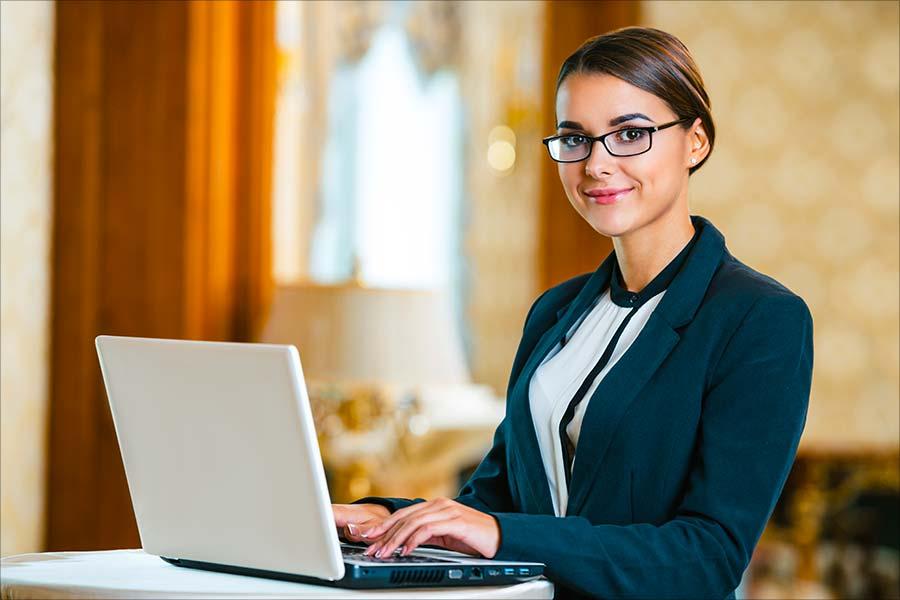 Consultez nos formations dans les secteurs de l'Hôtellerie et de la restauration